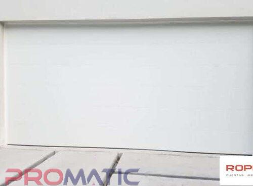 Porton de garaje Americano Insulado 12 X 8 Pies Liso Color Blanco